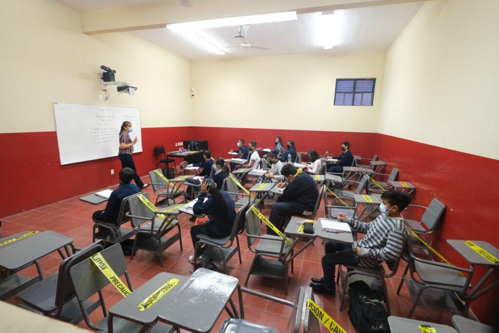 Regreso a clases en Jalisco. Casos de Covid en menores de 3 a 14 años crecen